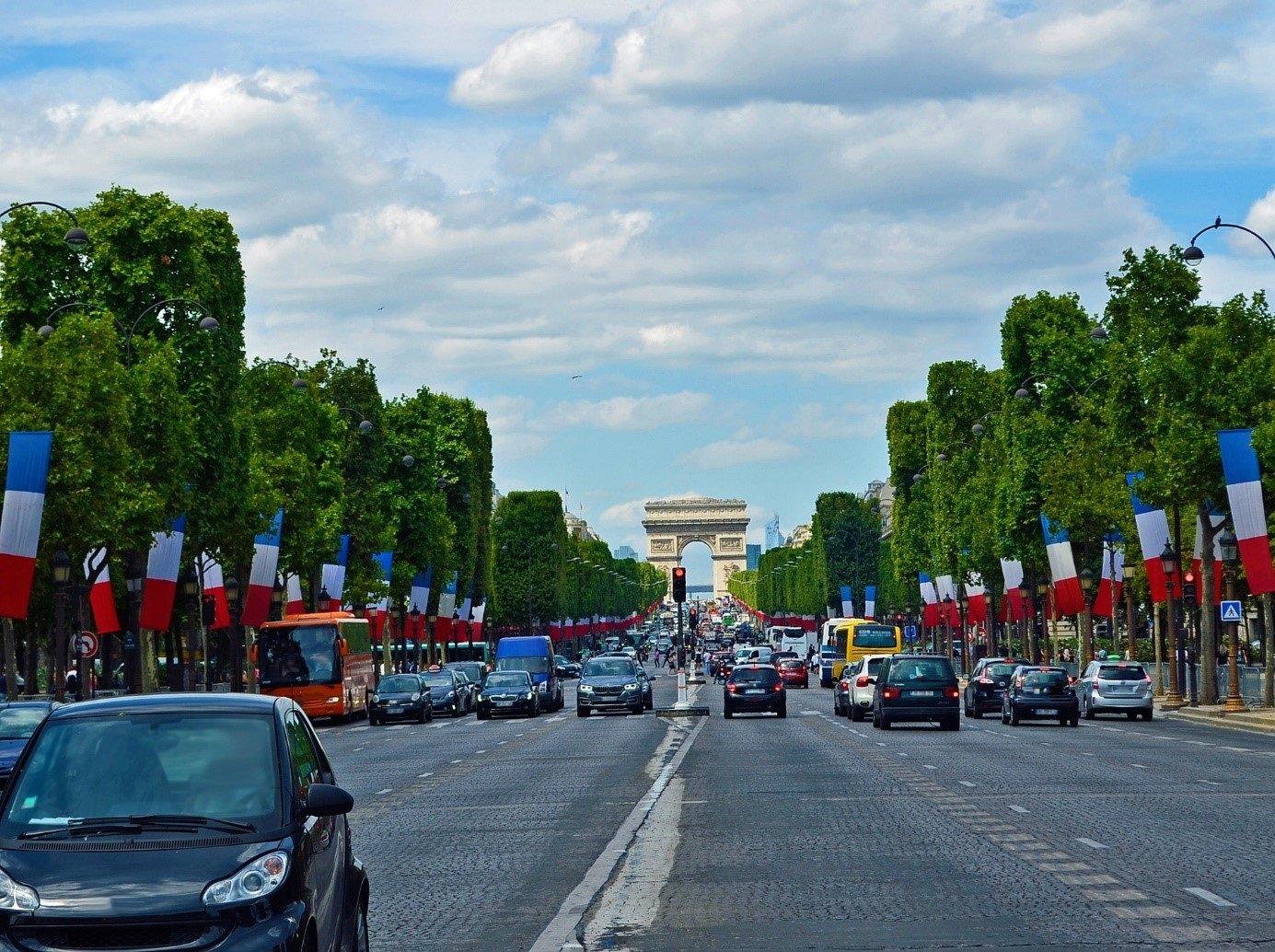 Op autovakantie naar Frankrijk in coronatijd Hier moet je rekening mee houden